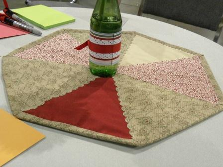 1 fabric pennant placemat