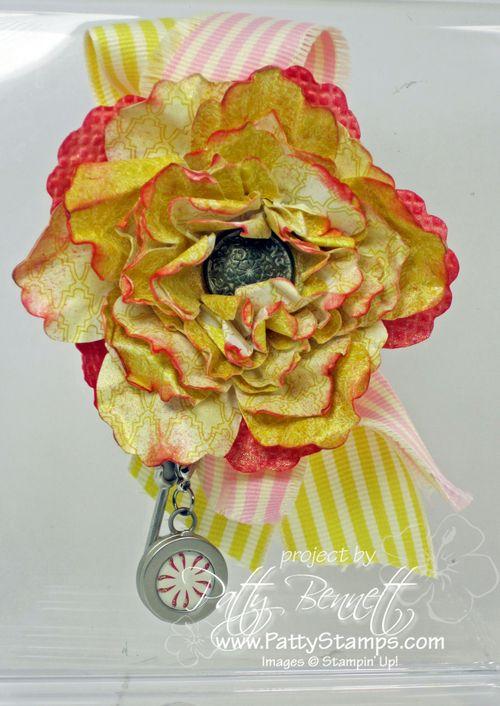 Paper flower pin
