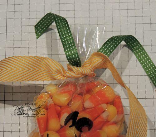 Jack-o-lantern-cello-bag-bow-tip