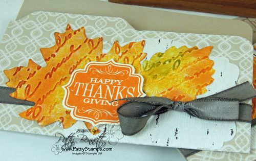 Thankful-tablescape-leaves-pretty-prints-thanksgiving