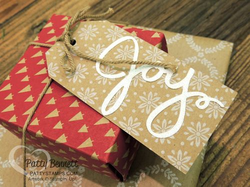 Founders-circle-under-the-tree-package-wonderous-wreath